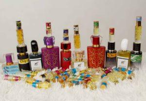 296135Oil perfume.